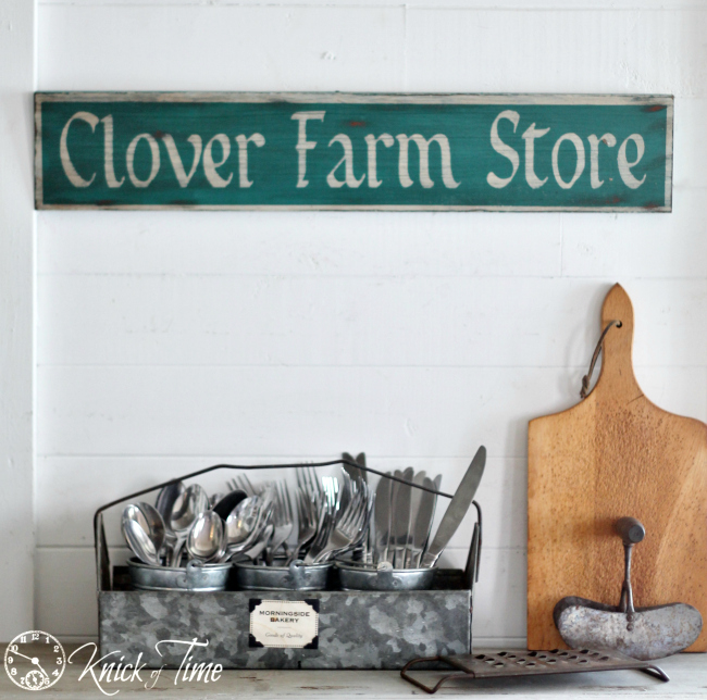 "Fusion's ""Renfrew Blue"" works perfectly on this vintage farmhouse sign fusionmineralpaint.com"