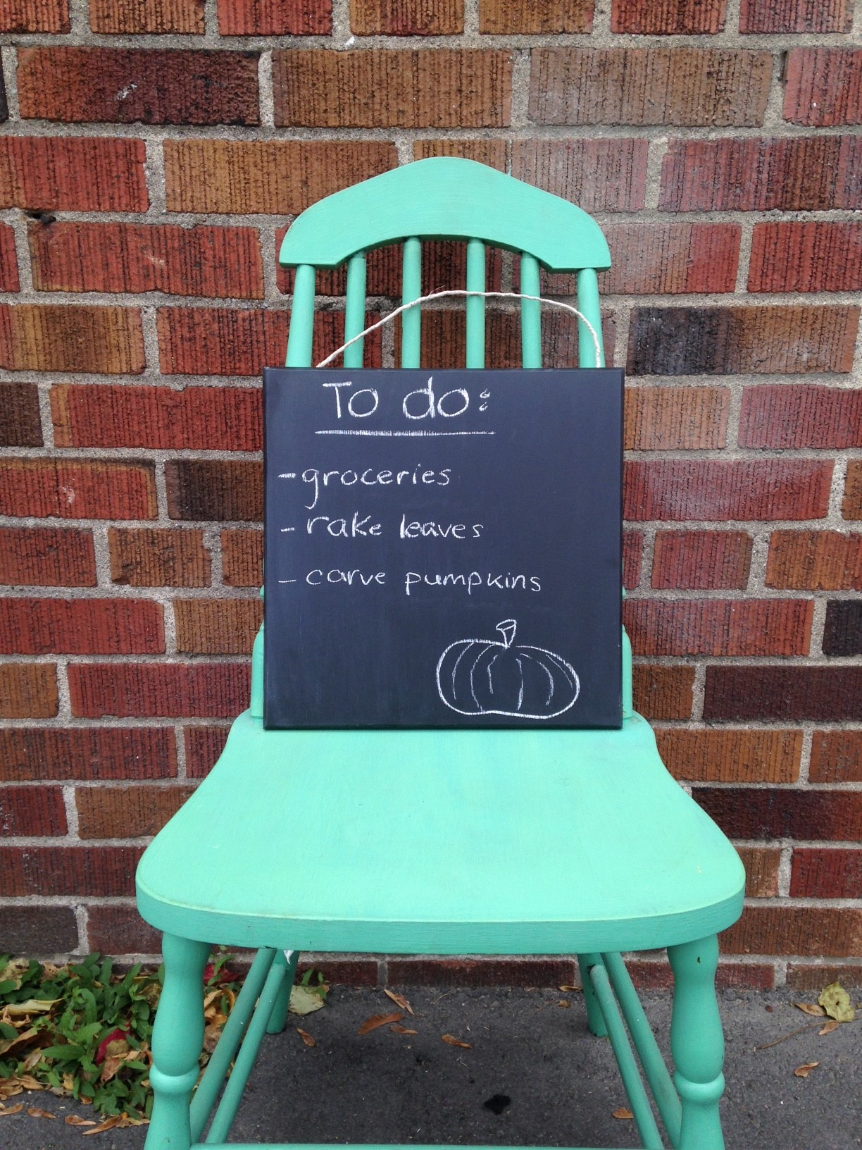Make your own Chalkboard with Fusion™ Mineral Paint! 1