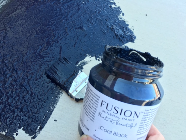 Use different application methods for a variety of finishes!