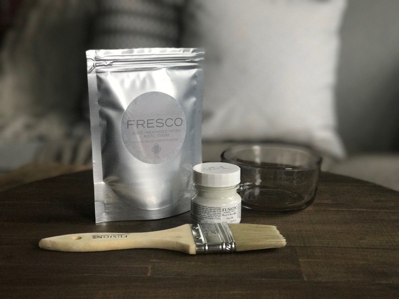 Fresco is a brilliant texturizing powder from Fusion Mineral paint. Wonderful for creating age with ease.   fusionmineralpaint.com