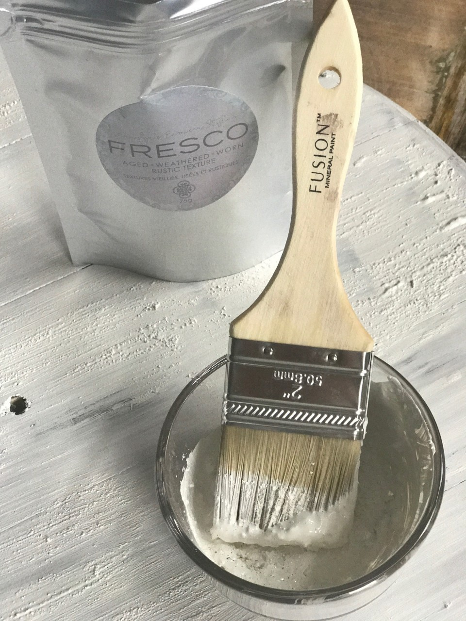 Just look at the close up of the texture so easily created by adding Fresco from Fusion Mineral Paint to the wet paint. | fusionmineralpaint.com