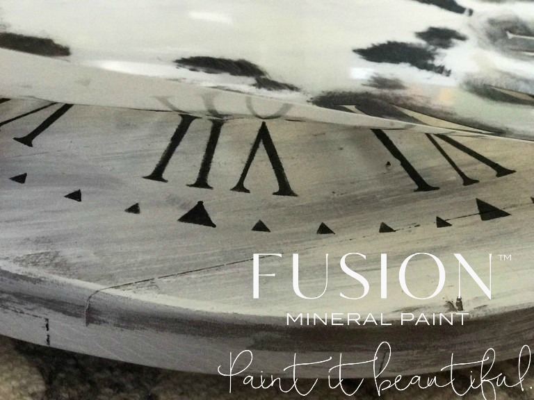 Getting a perfect finish with the stencil is so satisfying!   fusionmineralpaint.com