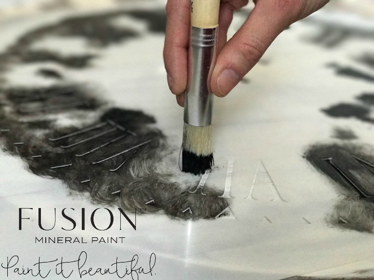 Why we all need a great set of stencils in our life. | fusionmineralpaint.com