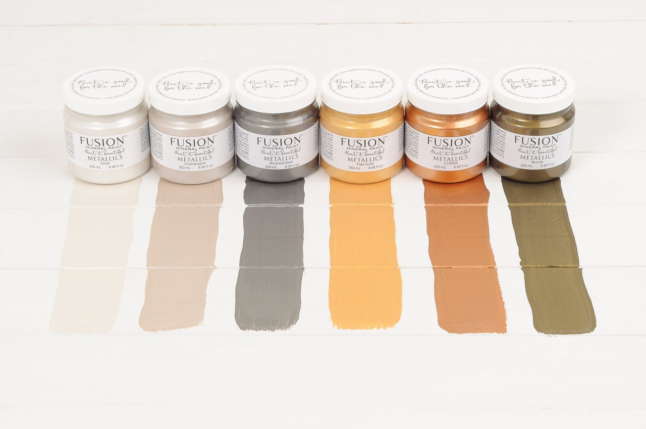 6 Gorgeous Metallic Paint Finishes for every style. From Metallic Glam to Brushed Steel Vintage effects with Fusion Mineral Paint.