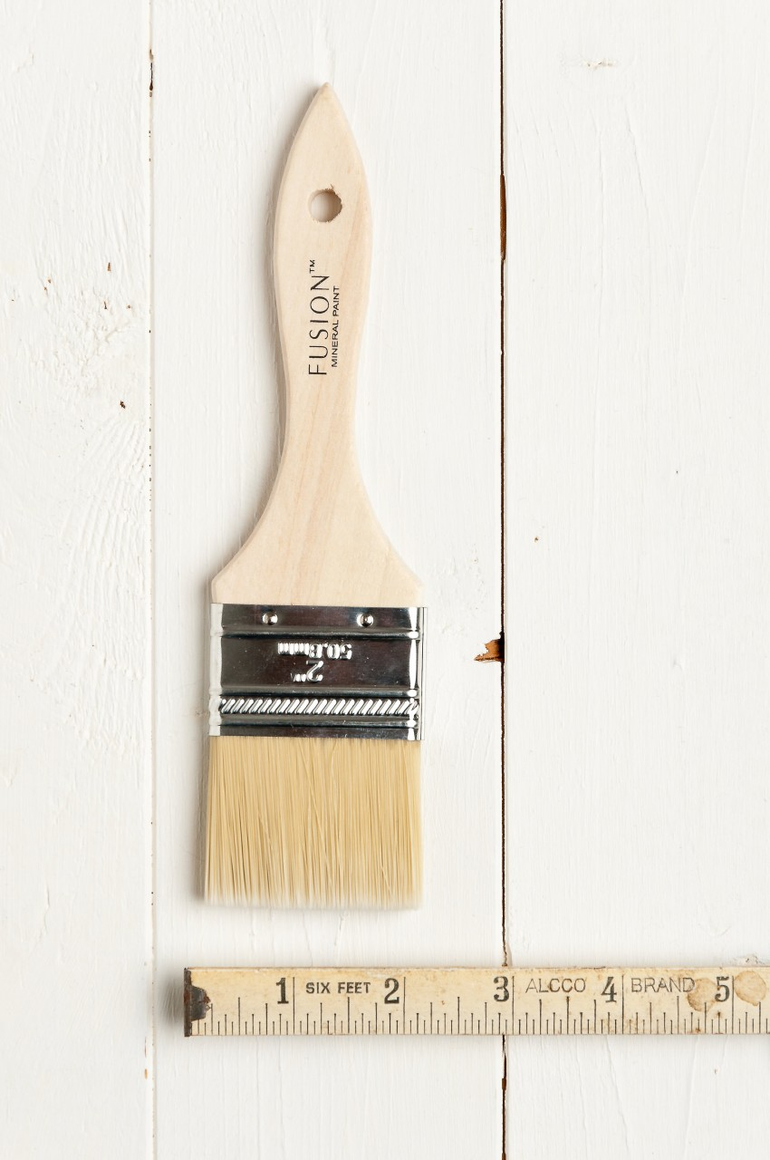 This 2 inch flat synthetic brush is highly economical and create a super smooth finish.
