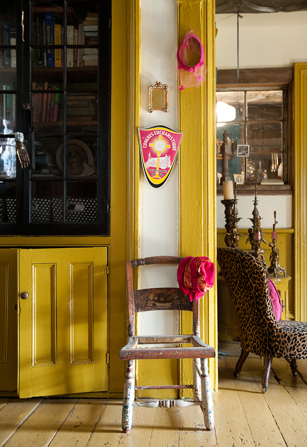 Framing the doorway is a wonderful way to make a statement without committing a bold colour to the entire room. | fusionmineralpaint.com