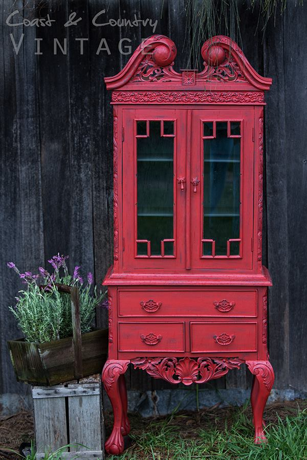 I am super inspired by this piece in Fort York Red from Hayley Justice of Coast and Country Vintage. | fusionmineralpaint.com