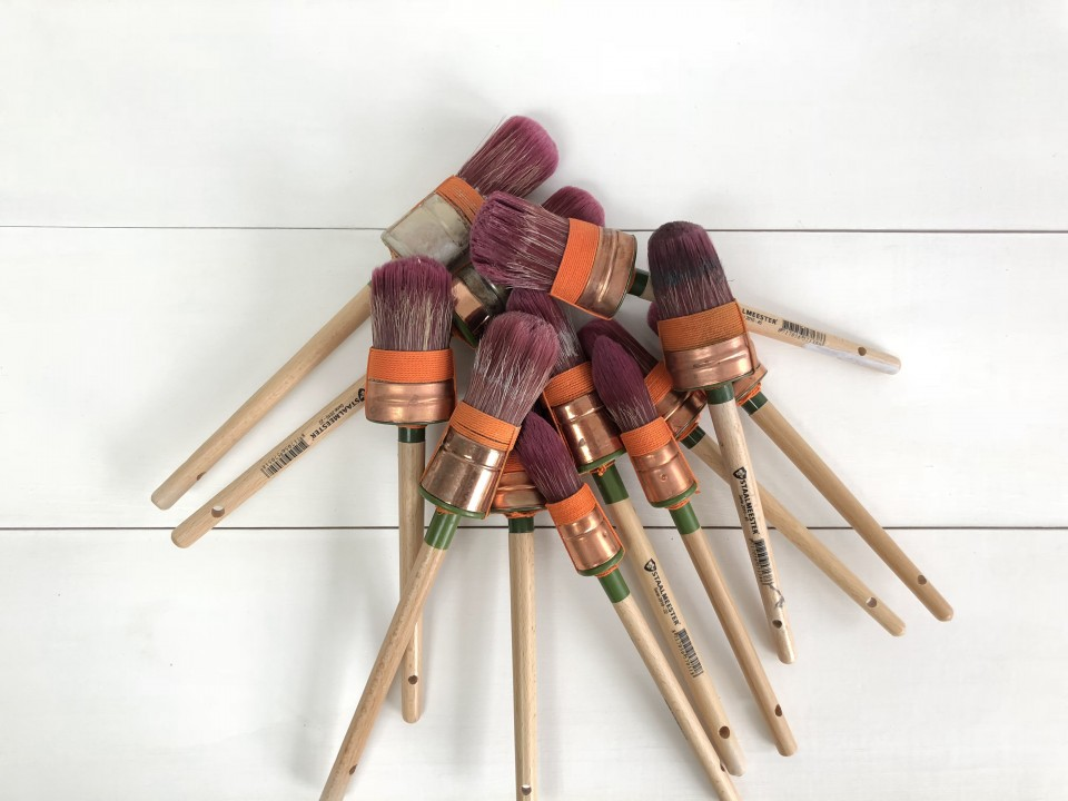 pile of Staalmeester paint brushes