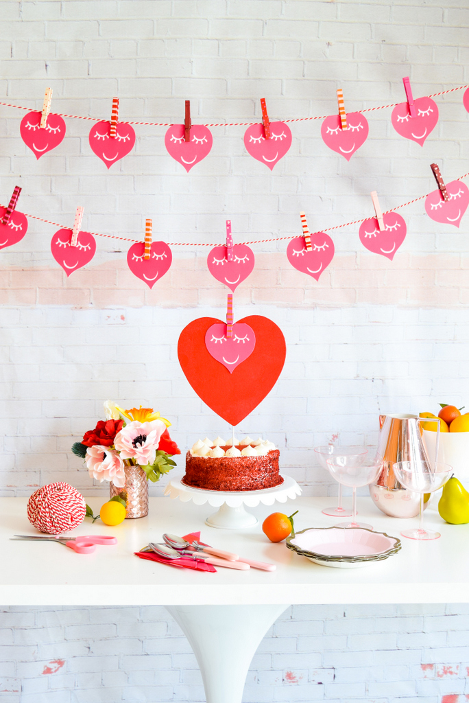 DIY Valentine's Garland from Fusion Mineral Paint