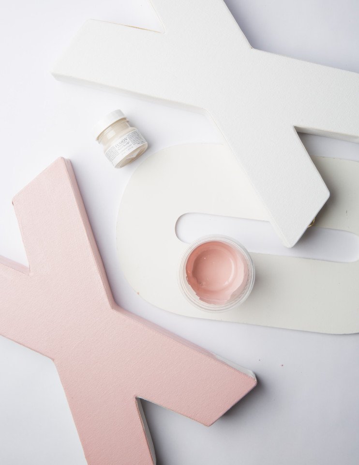 How to mix a soft pink paint for Valentine's Day with Fusion