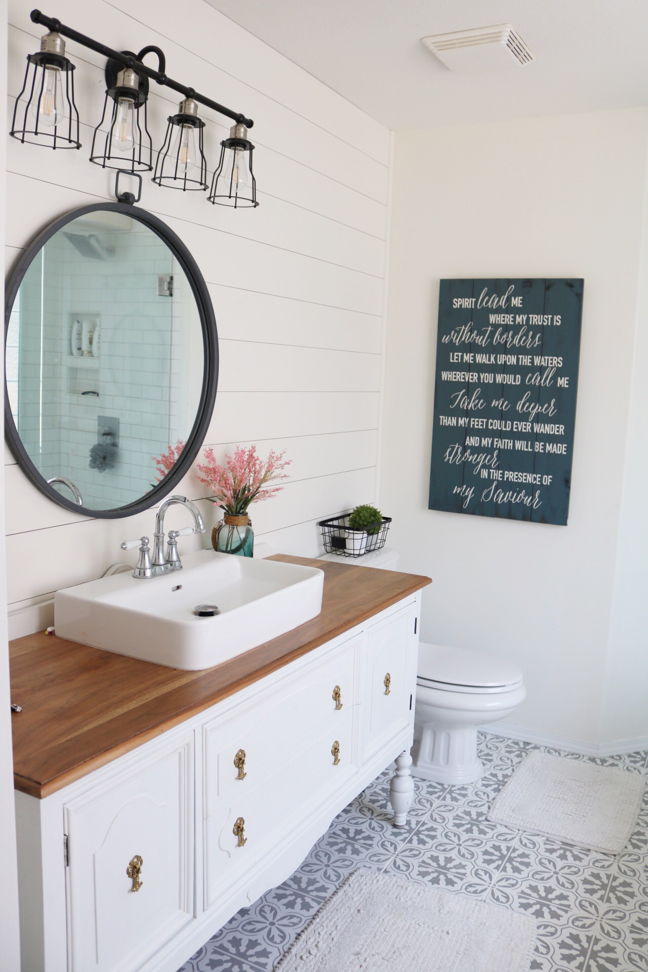 Bathroom Vanity makeover using Fusion Mineral Paint