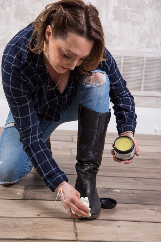 Got a pair of old, cracked and salt stained leather boots? Breathe new life into them in time for fall with Fusion's Beeswax Finish. Curious about How to Refresh Your Leather Boots With Beeswax? Head over to the blog for the tutorial.