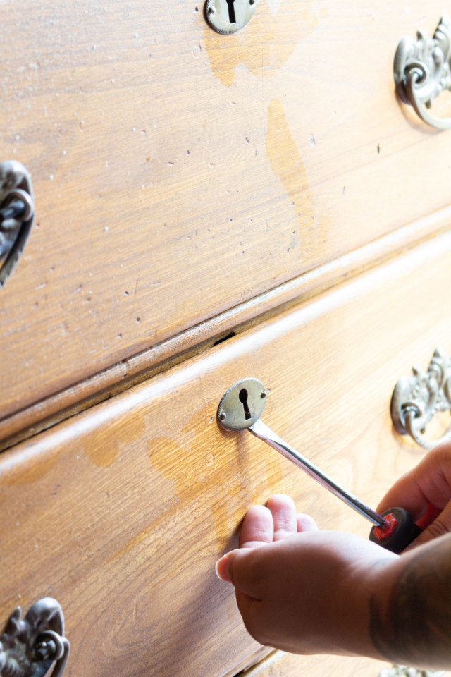 Ever wondered how to upcycle a dresser? With a little ingenuity and Fusion Milk Paint you can turn anything into something else! this old dresser became a media console, and you can do it too.