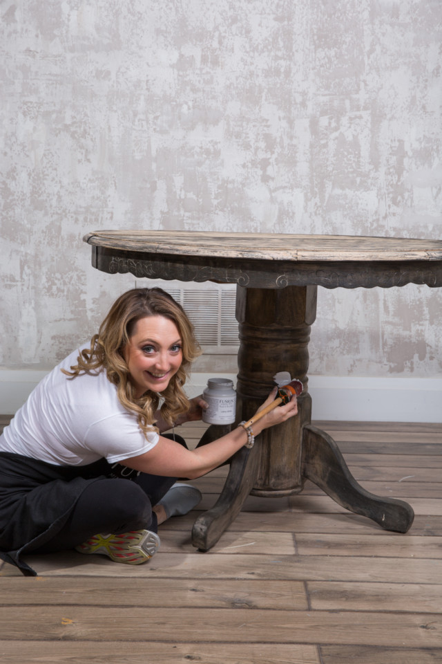 Painting the base of a pedestal table - Fusion Mineral Paint